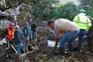 Se eleva el número de muertos en Michoacán por desbordamiento de río Cutio
