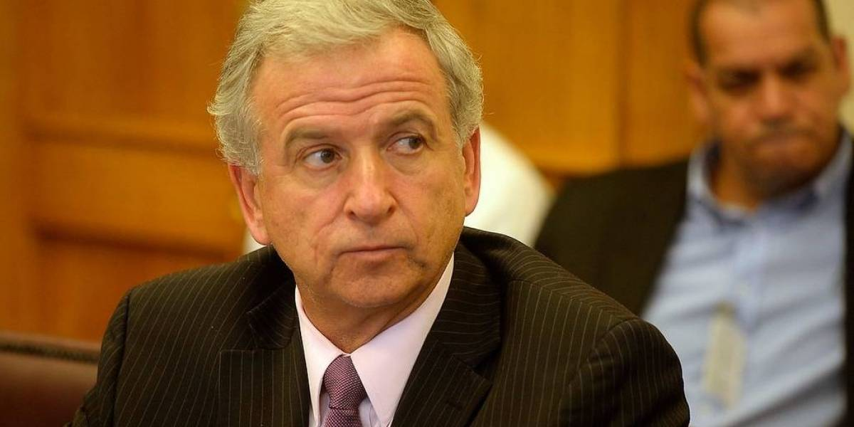 Grave: Ministro Larraín se hizo pasar por Pyme para obtener USD$ 20 millones de Corfo