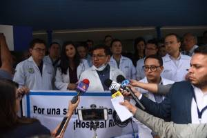 Médicos exigen al Gobierno una resolución inmediata a sus demandas