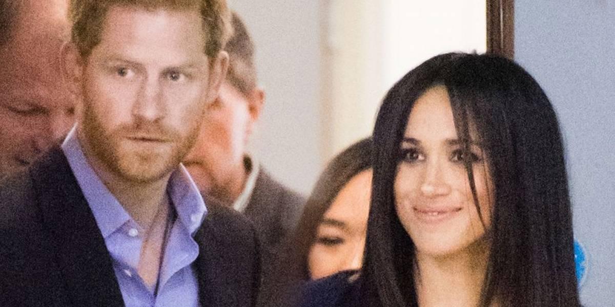 Meghan Markle reta la paciencia de la reina Isabel al ponerse un vestido con pronunciada apertura