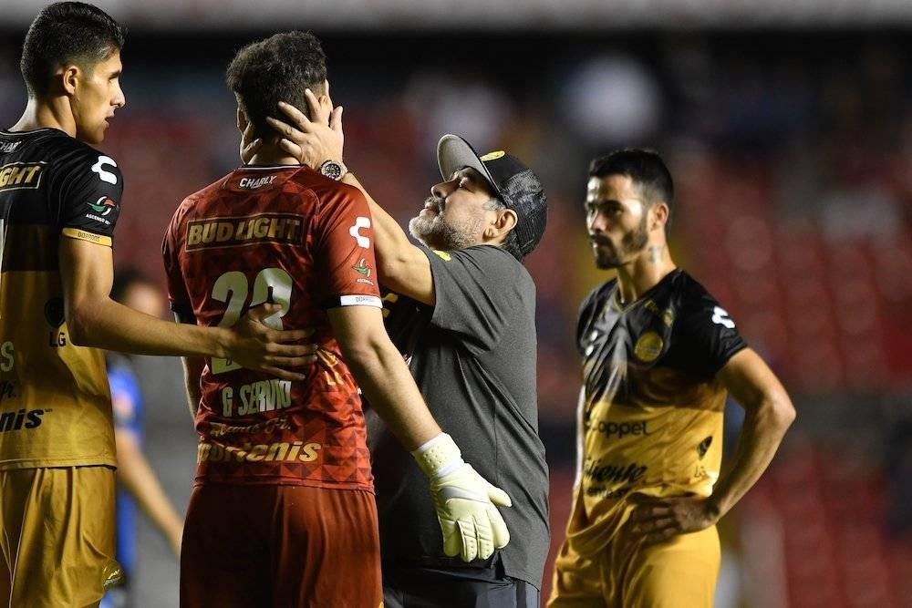 Diego consoló a sus jugadores. / Mexsport