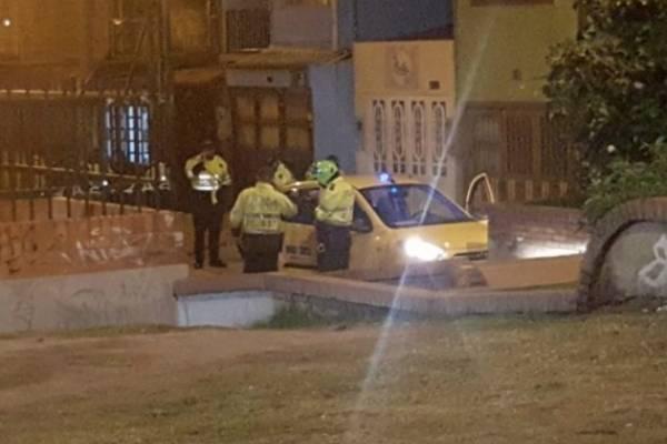En extrañas circunstancias asesinan taxista en Bogotá