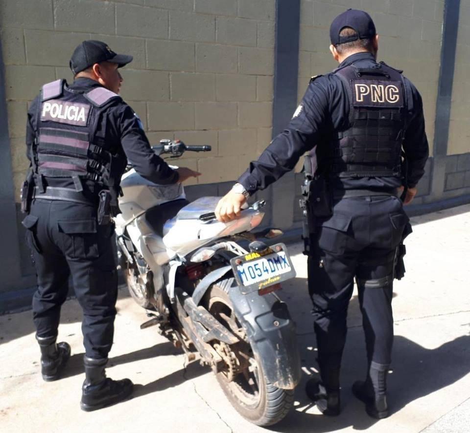 capturados por disparar a piloto de mototaxi en Jalapa