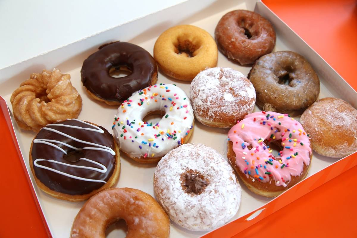 Donuts fotos Dunkindonutsgettyimages-607425f4625f79025e00c36af13f1199-1200x800