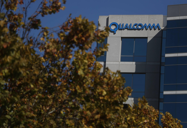 Qualcomm fue acusado de violar las leyes antimonopolio y sus acciones se derrumban