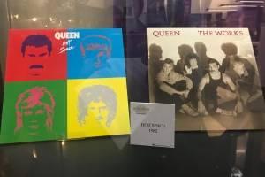 queen7-80849af97b446af0a97e3482a2e3e6c5.jpg
