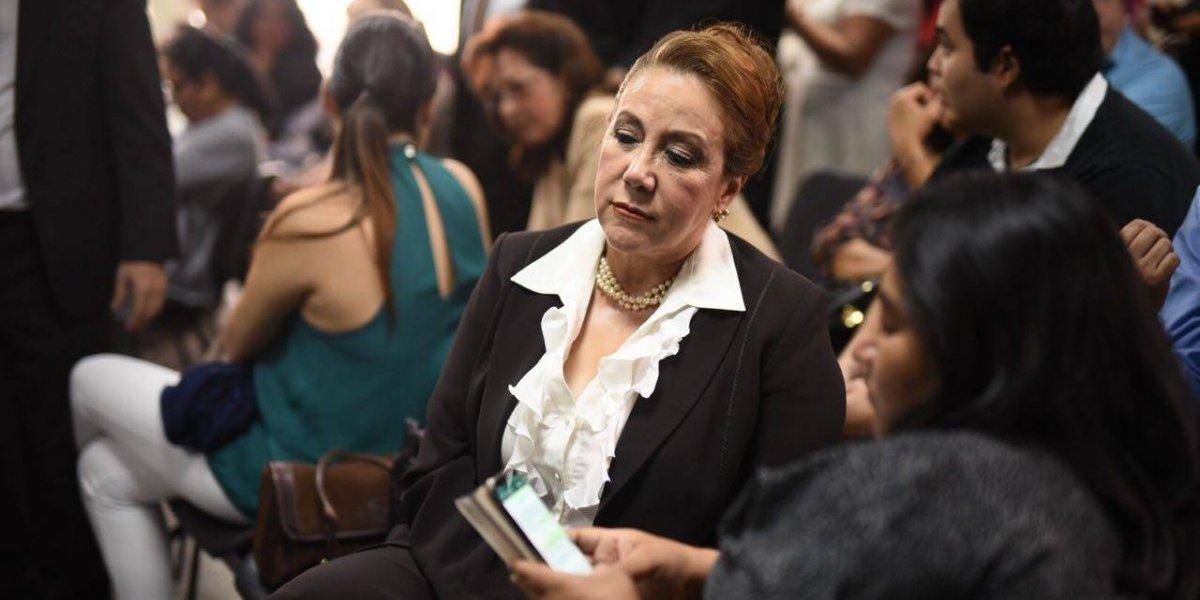 """""""Dios va a iluminar a los jueces"""", señala Blanca Stalling en audiencia donde se conocerá sentencia contra su hijo"""
