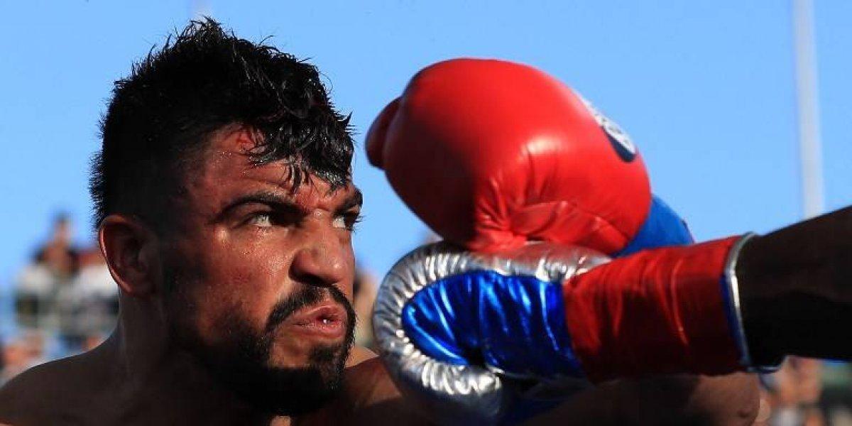 Excampeón del mundo de boxeo es detenido por violación
