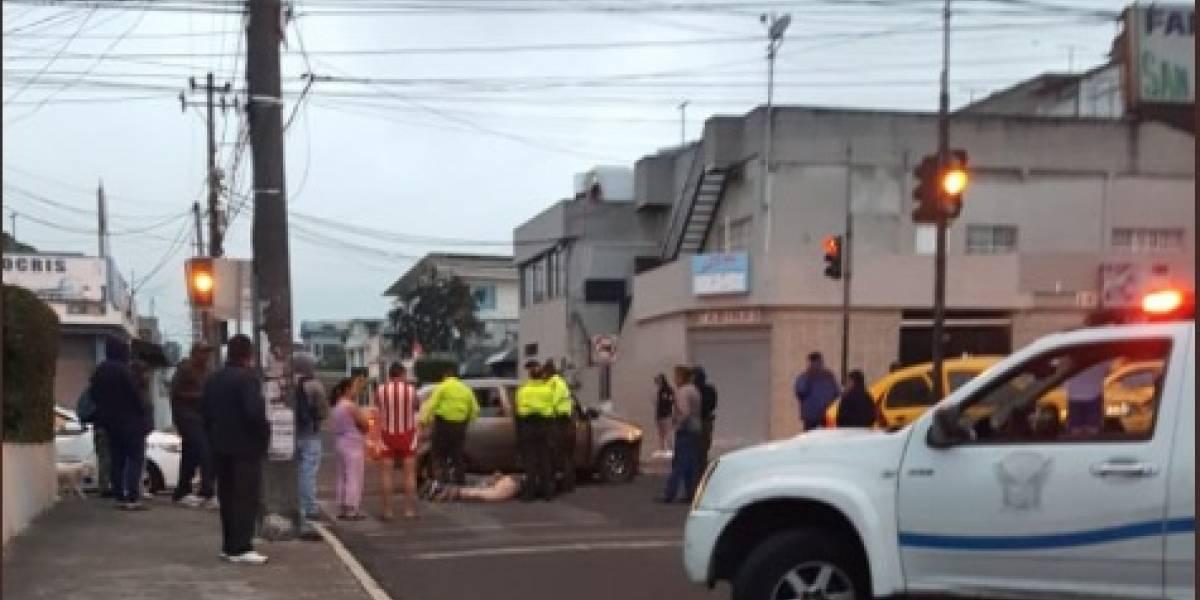 Tres personas, presuntos asaltantes, detenidos tras accidente vial en el norte de Quito