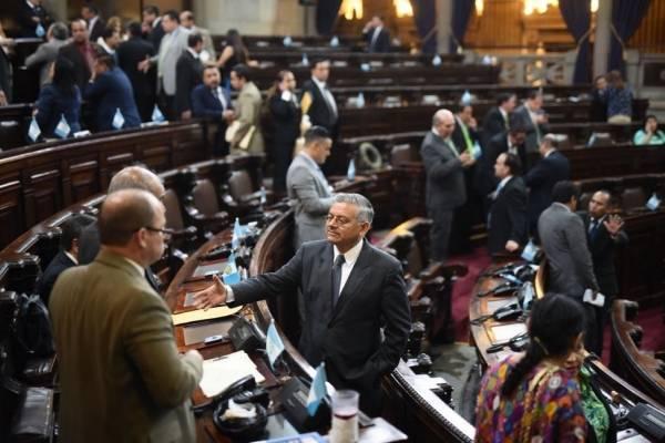 Los diputados acordaron aprobar las reformas los miércoles.