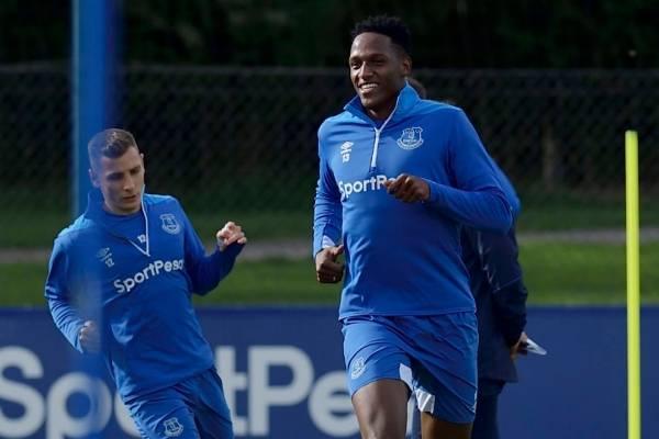 Yerry Mina volvió a lesionarse con el Everton