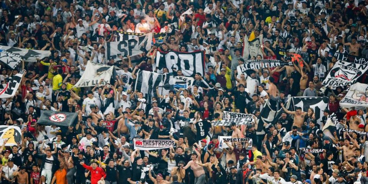Colo Colo deberá pagar multa por mal comportamiento de sus hinchas en partido ante Corinthians