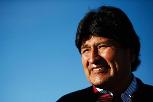 El presidente boliviano concedió la amnistía a los ex presidentes de ese país para que ambos continúen en tareas de defensa del reclamo marítimo ante Chile