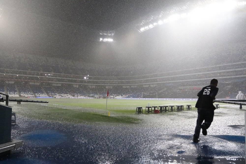 Suspenden partido Rayados vs Zacatepec por tormenta eléctrica
