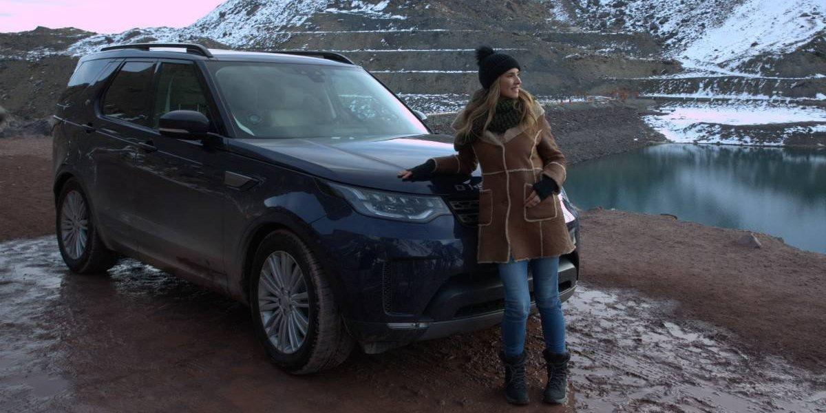 Land Rover llega a la televisión arriba de su Discovery