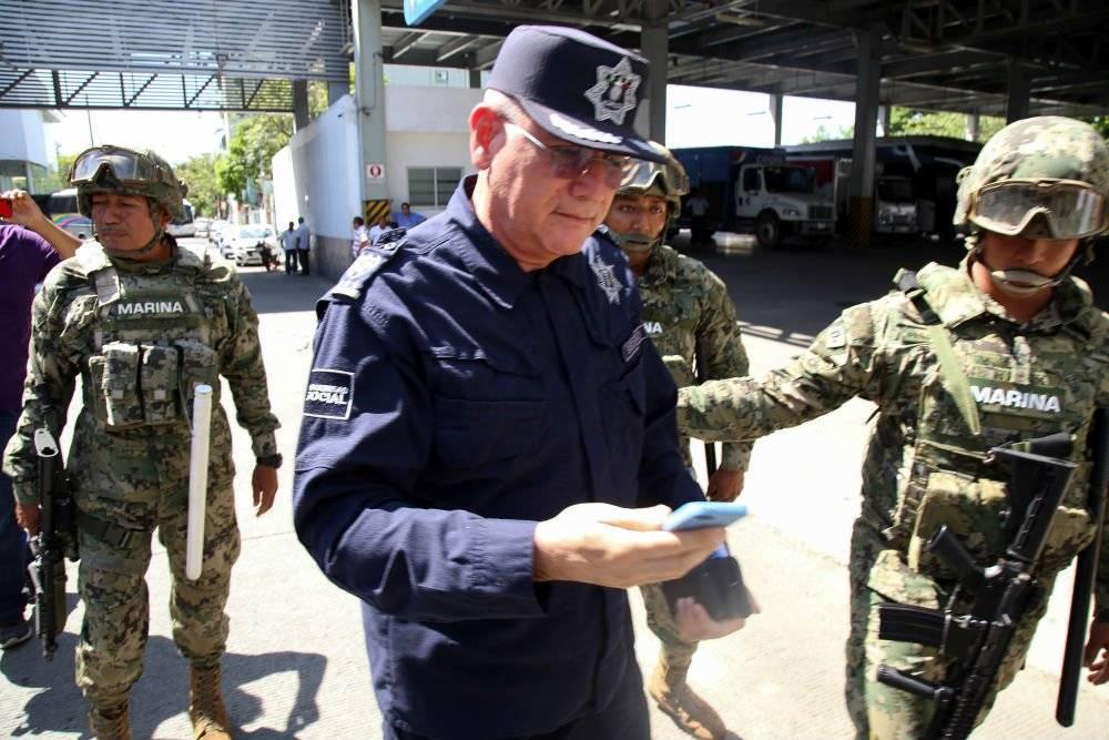 Max Lorenzo Sedano al momento de ser detenido por fuerzas federales Foto: Cuartoscuro