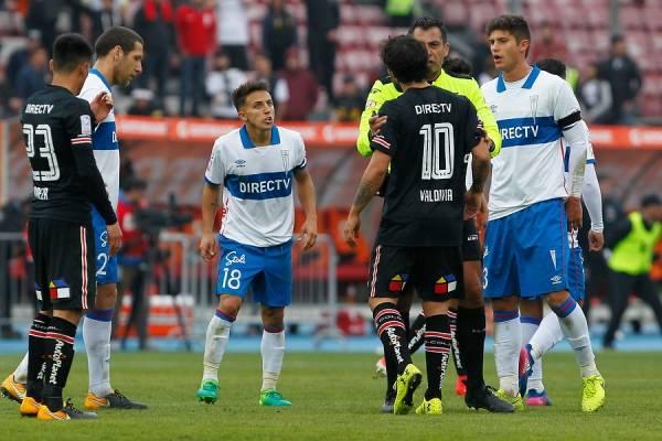 Diego Buonanotte no tiene buen registro jugando por la UC ante Colo Colo. Tampoco lo tienen Luciano Aued y Benjamín Kuscevic / Foto: Photosport