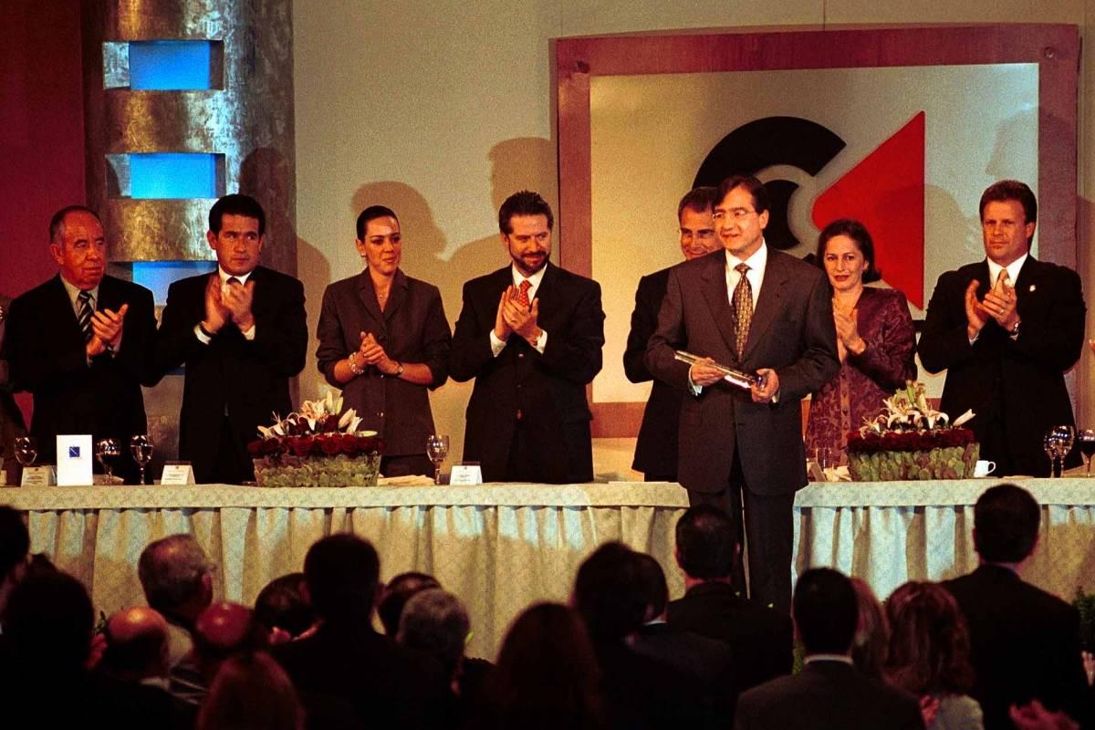 En el año 2000 recibió un reconocimiento especial en la Comida Anual de la Camara de la Industria de la Radio y la Televisión. Foto: Cuartoscuro
