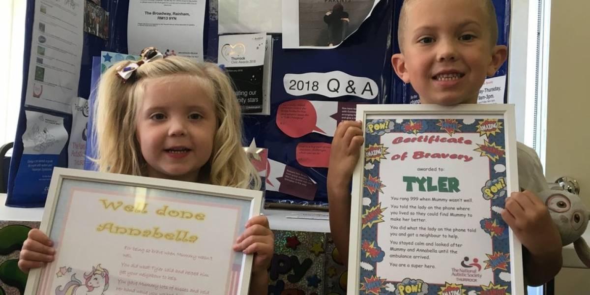 Menino com autismo é premiado após ligar para emergência e salvar mãe