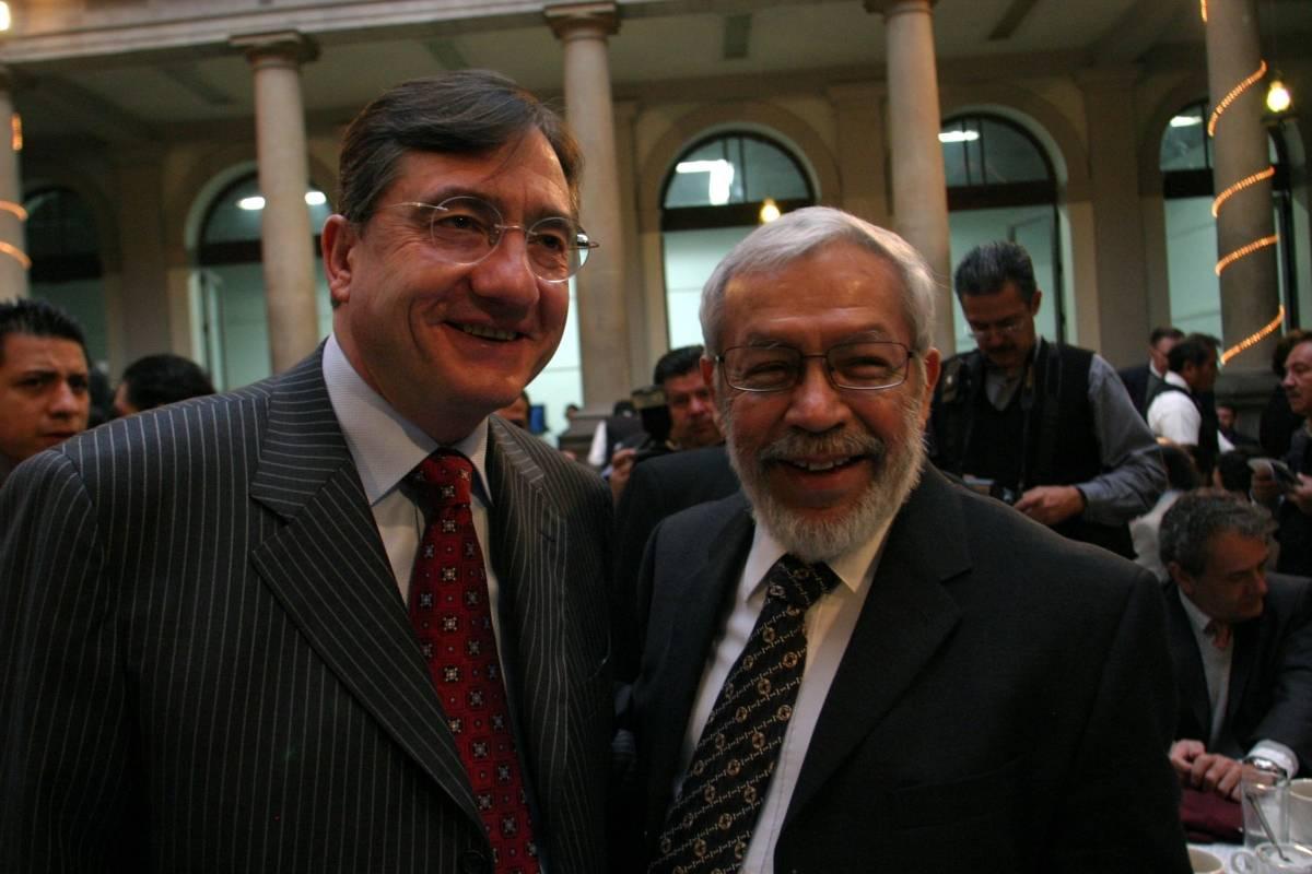 De igual forma, con Miguel Ángel Granados Chapa Foto: Cuartoscuro