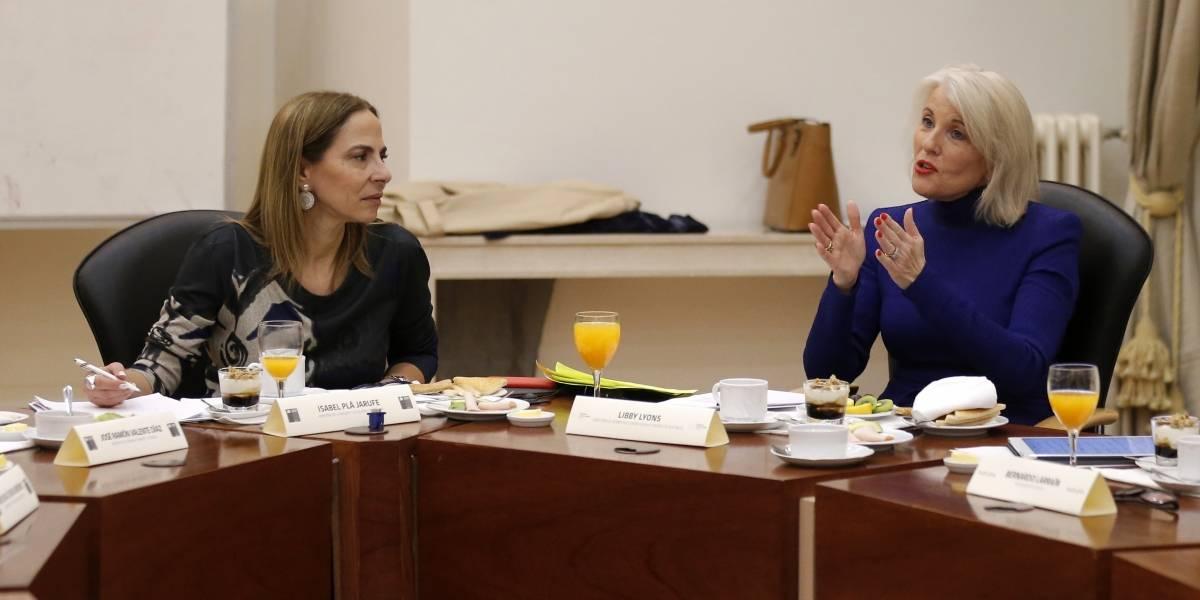 Ministra de la Mujer anuncia proyecto para disminuir brechas salariales