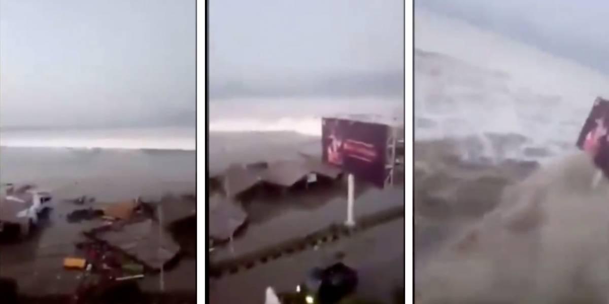 El impresionante video del momento en que el tsunami en Indonesia llega a la ciudad