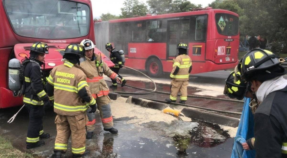 reportan incendio en bus de TransMilenio en el norte de Bogotá cortesía: Red+Noticias