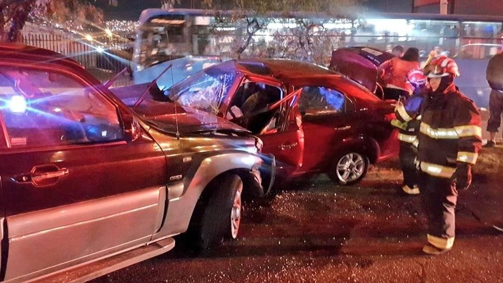 Accidente de tránsito en la Av. Galo Plazo Lasso y Rafael Ramos. Bomberos Quito