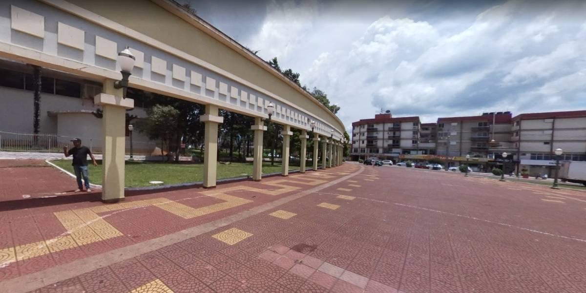 Adolescente atira contra colegas de sala em colégio do Paraná