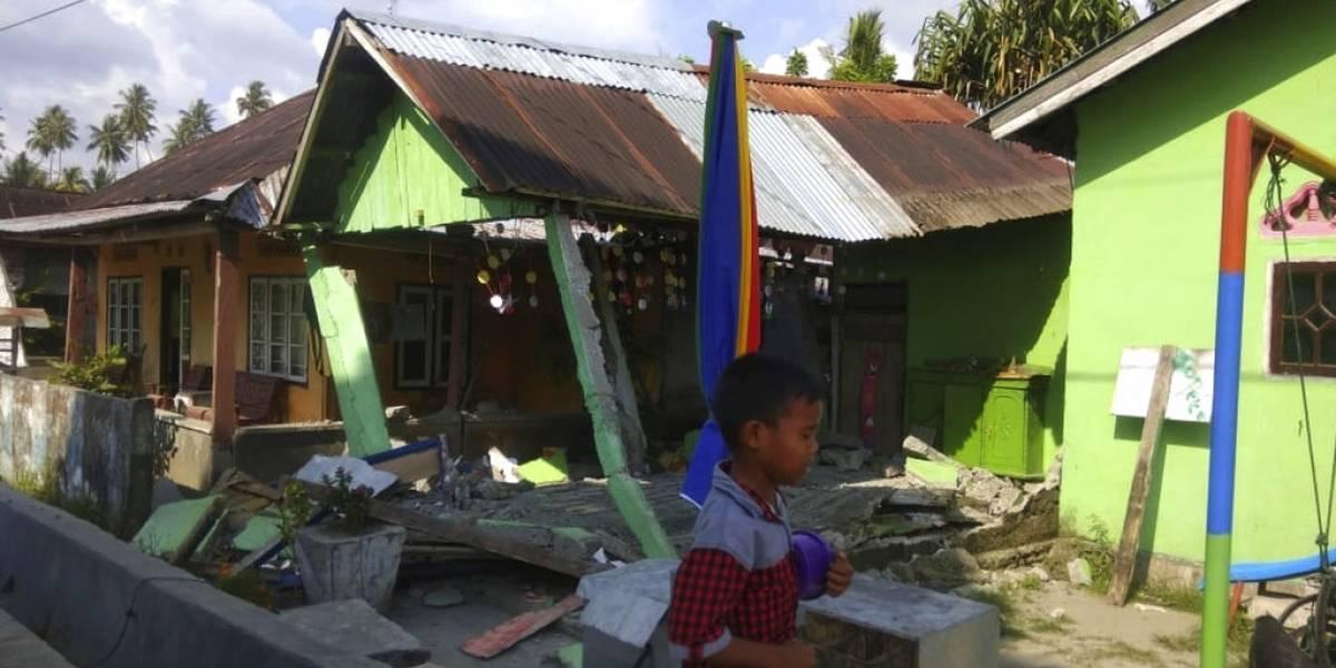 VIDEO. Ciudad de Indonesia golpeada por un tsunami tras un fuerte terremoto