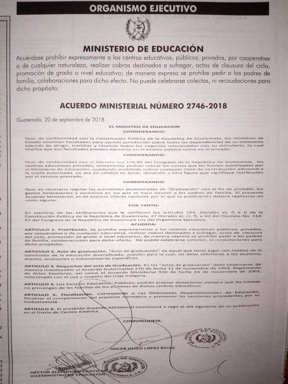 Ministerio de Educación prohíbe cobros por clausuras