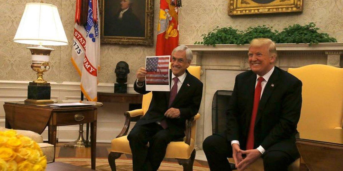 """Nueva """"piñericosa"""": Presidente explicó 'error' en la bandera de EEUU pero tuvo nuevo desliz"""