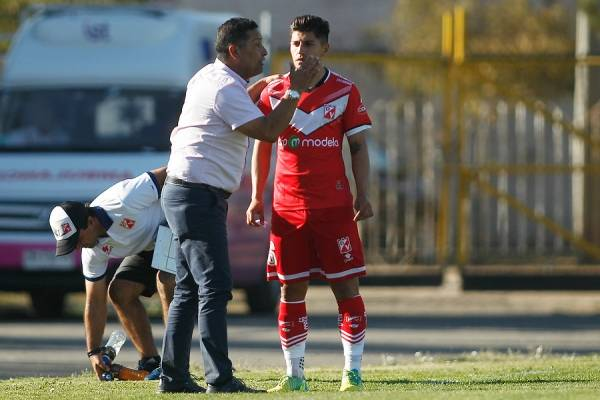 Jorge Aravena tomó el mando de Deportes Valdivia en octubre de 2017, volviendo así a dirigir profesionalmente en Chile después de 7 años. Su última experiencia en suelo nacional había sido en Palestino / Foto: Photosport