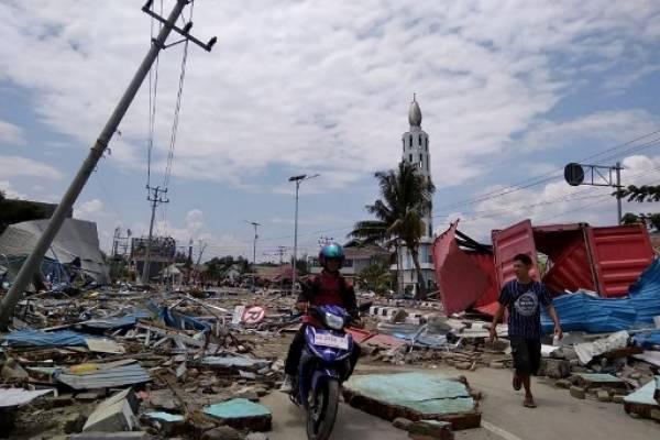 Tsunami en Indonesia deja cientos de muertos