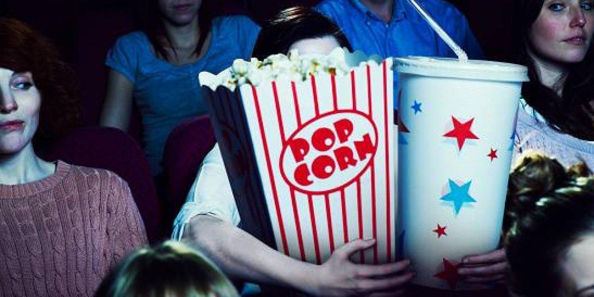 Estudio asegura que ver películas de terror podría provocar que subas de peso