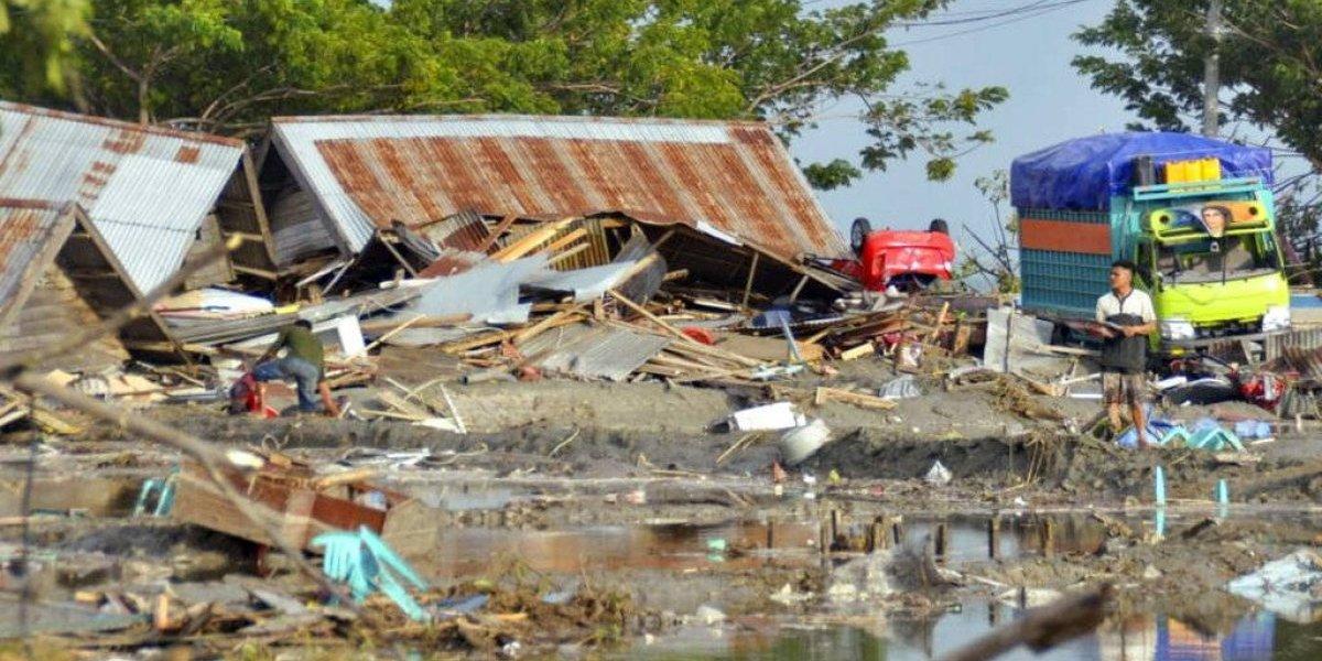 Tsunami impacta Indonesia y deja al menos 20 muertos