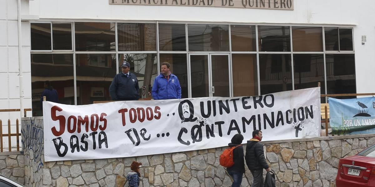 Comerciantes de Quintero piden bonos por impacto de crisis ambiental en la zona
