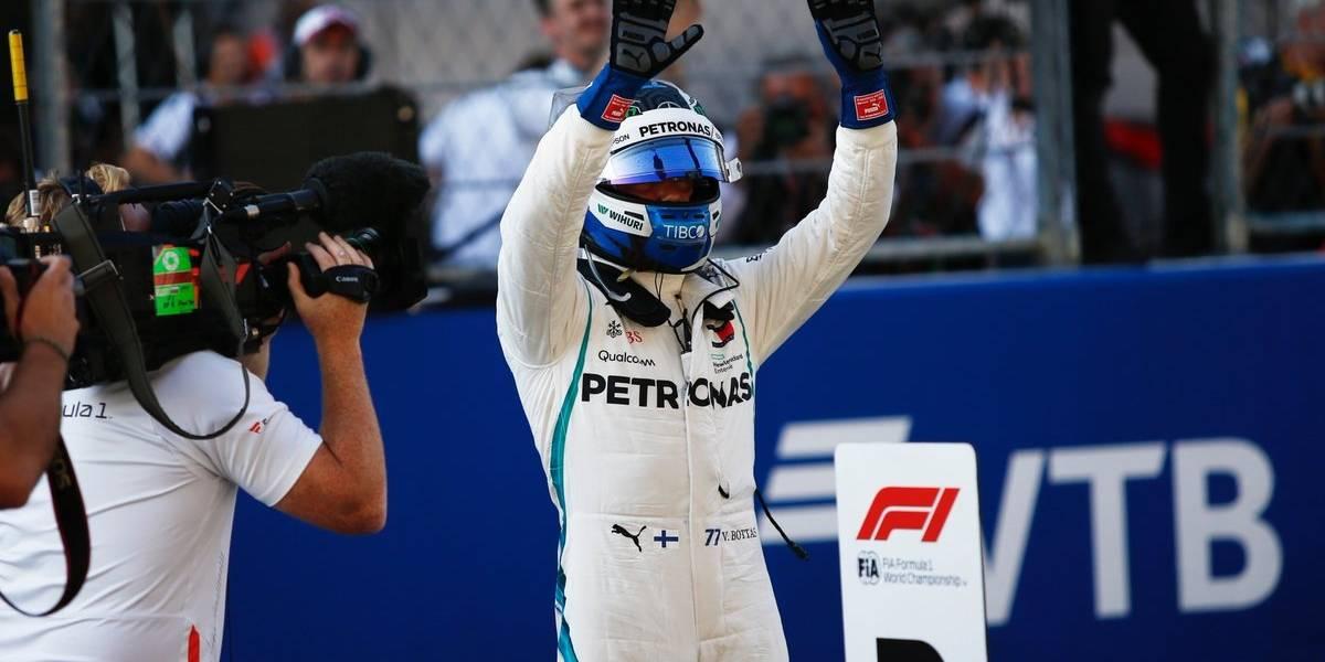 Bottas superó a Hamilton y se quedó con la pole del GP de Rusia