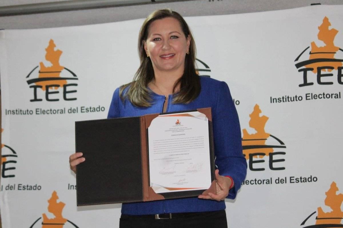 Martha Erika Alonso de Moreno Valle recibió su constancia de mayoría que la acredita como gobernadora electa de Puebla del Instituto Electoral del Estado (IEE) el pasado 8 de julio Foto: Cuartoscuro