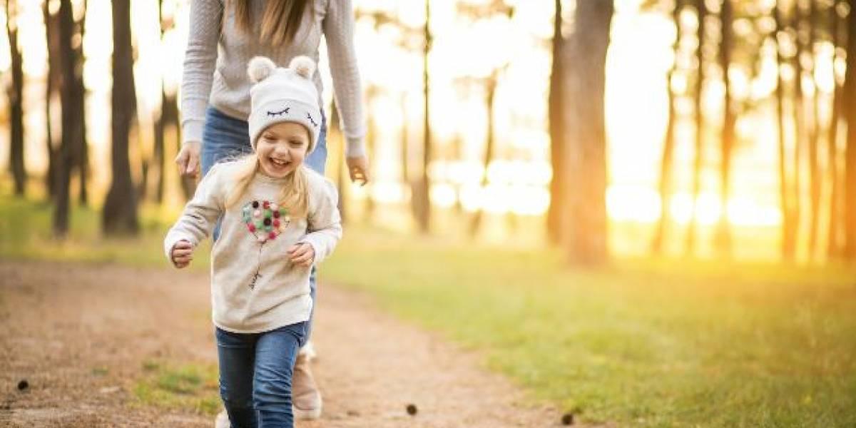 ¡Papás pongan atención! Cinco consejos para cuidar a tus hijos al salir de casa