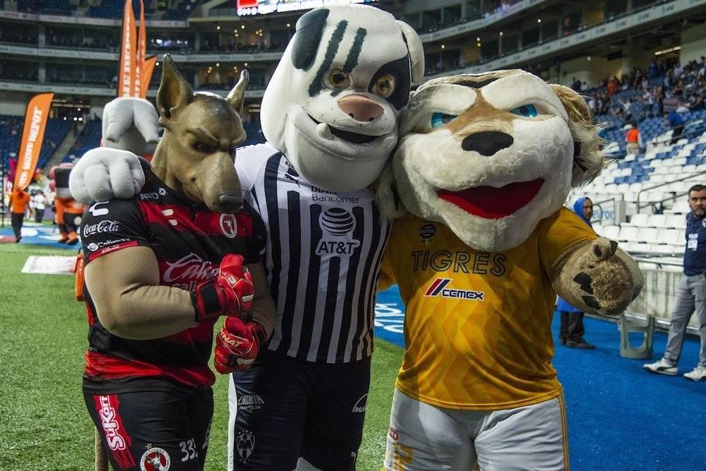 Juntos por el futbol. / Mexsport