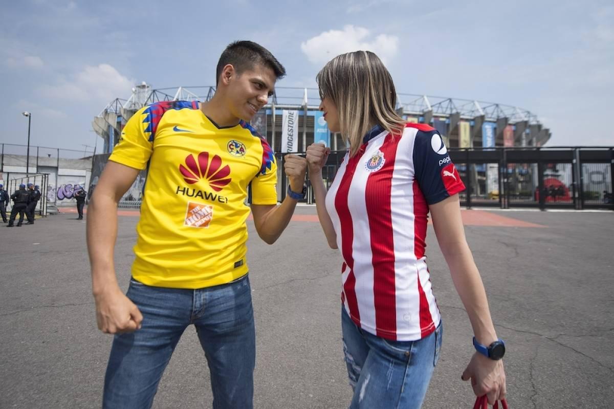 La afición ya empieza a llegar al estadio Azteca. / Mexsport