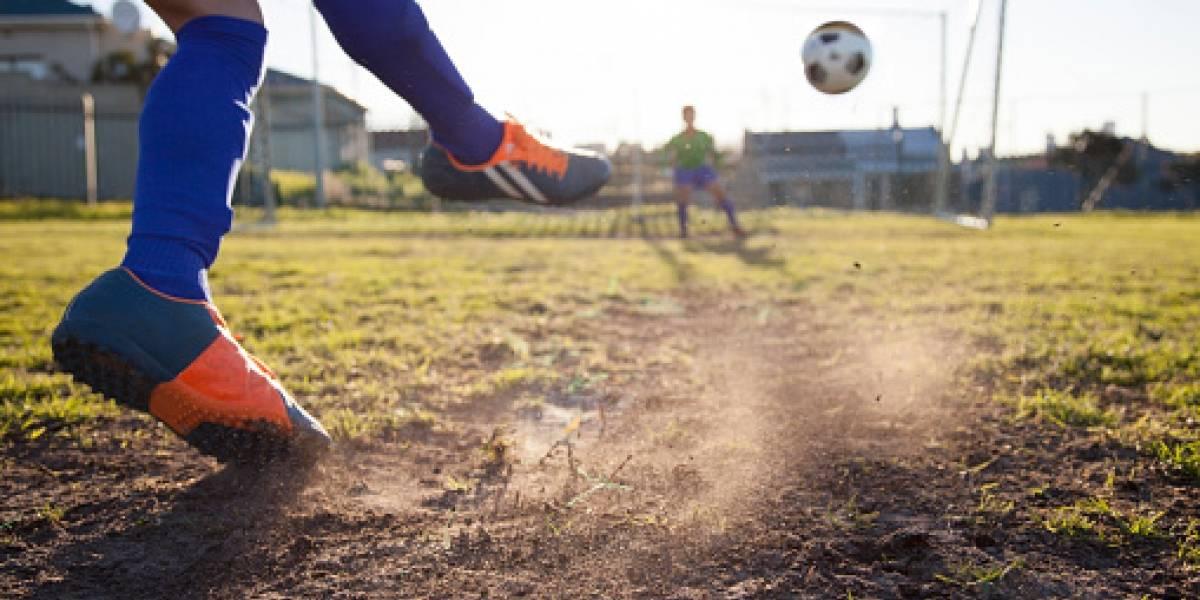 ¿No será mucho?: mujer demandó al entrenador de su hijo por no seleccionarlo para el equipo de fútbol del colegio