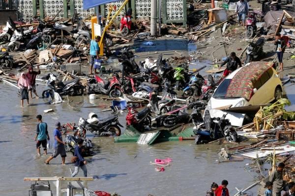 tsunami y sismo en Indonesia