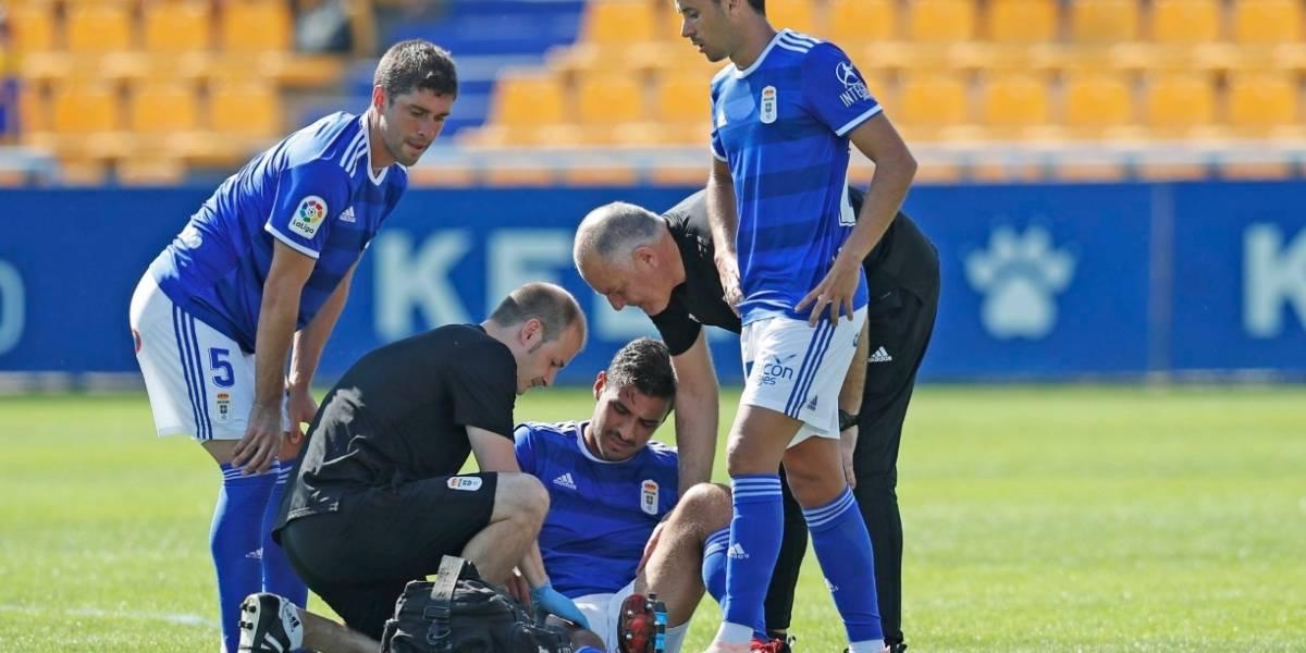 Oswaldo Alanís sale lesionado en su debut con el Real Oviedo