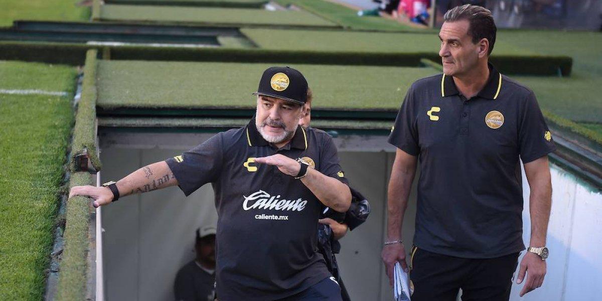 Maradona arremete contra la FIFA y le pide a Messi que no vaya a la albiceleste