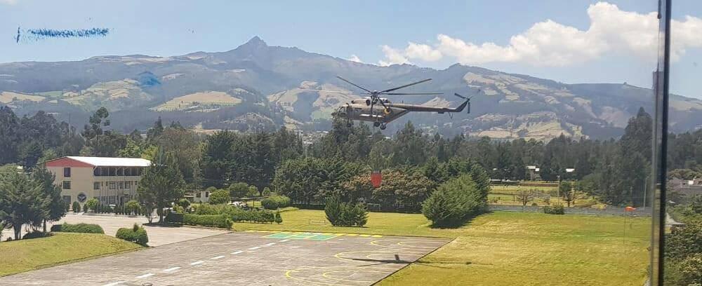 Consumidas unas 650 hectáreas en incendio forestal en el cerro Atacazo Bomberos Quito