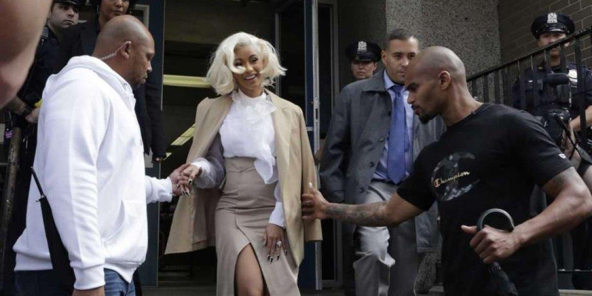 Cardi B acude a comisaría de NY tras pelea en club nudista