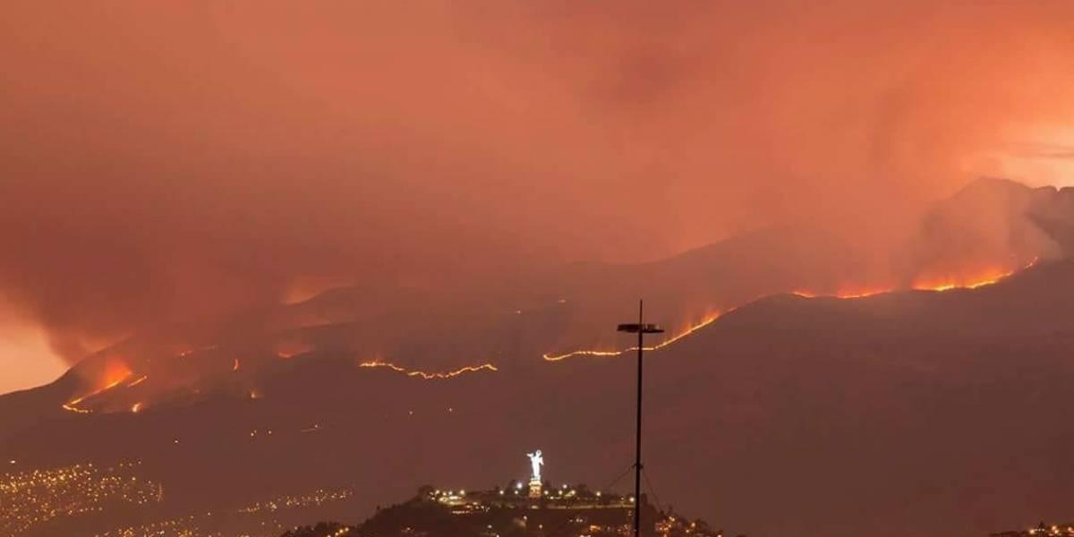 Consumidas unas 650 hectáreas en incendio forestal en el cerro Atacazo
