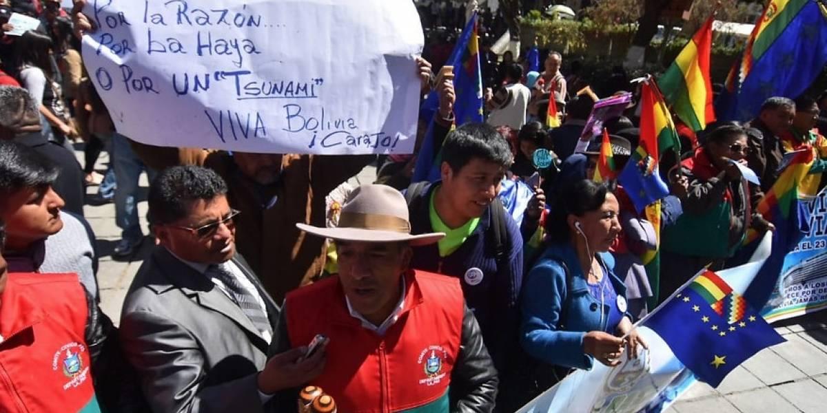 """Plaza Murillo ensombrecida con la decepción de los bolivianos: """"Nos limpiamos la boca antes de comer"""""""